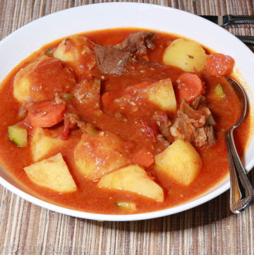 Pictured above is a dish of lamb stew with potatoes and carrots. South Sudan food, Sudanese food, North African recipes.
